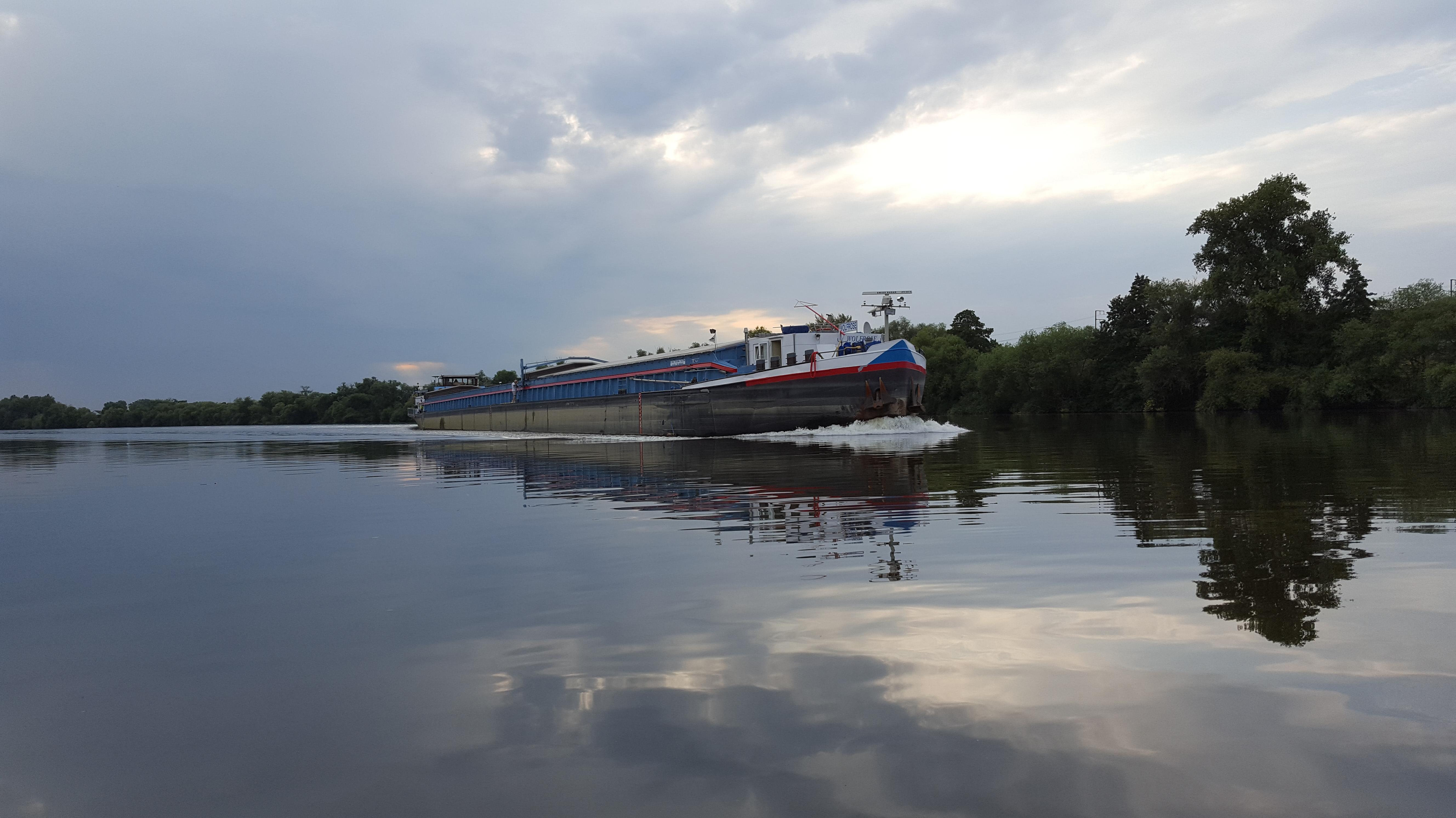 Berufsschifffahrt voraus